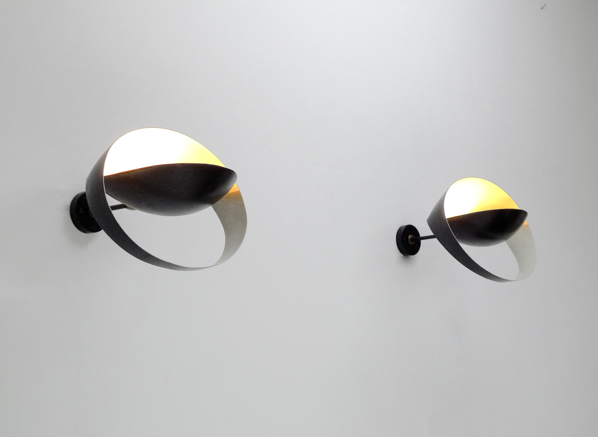Pair of «Grand Saturne» wall lamps, vue 01