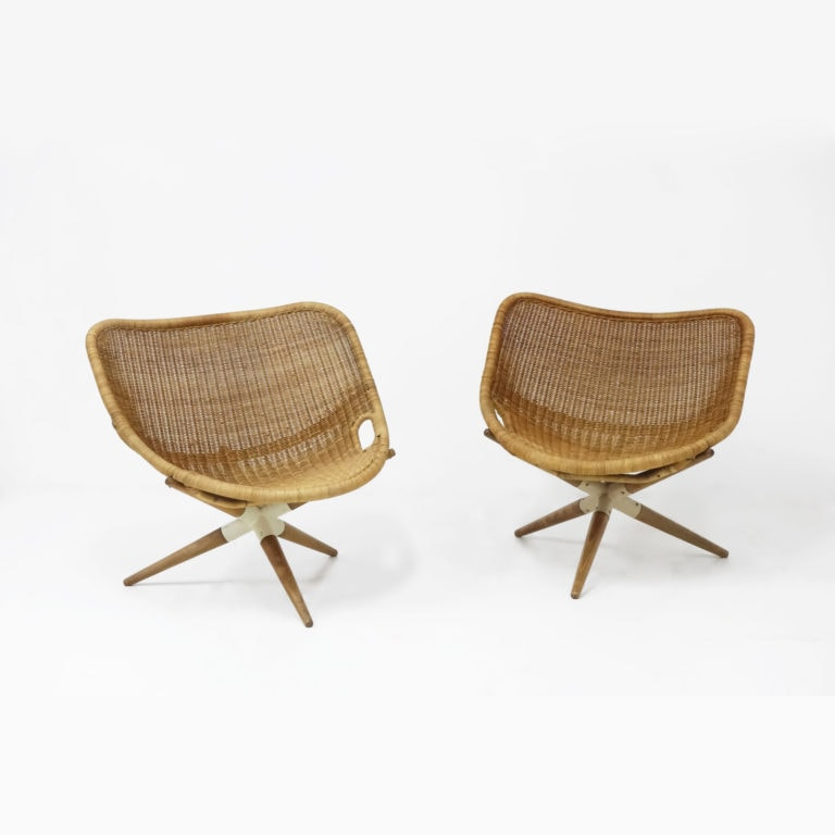 Pair of tripode 'Chistera' armchairs
