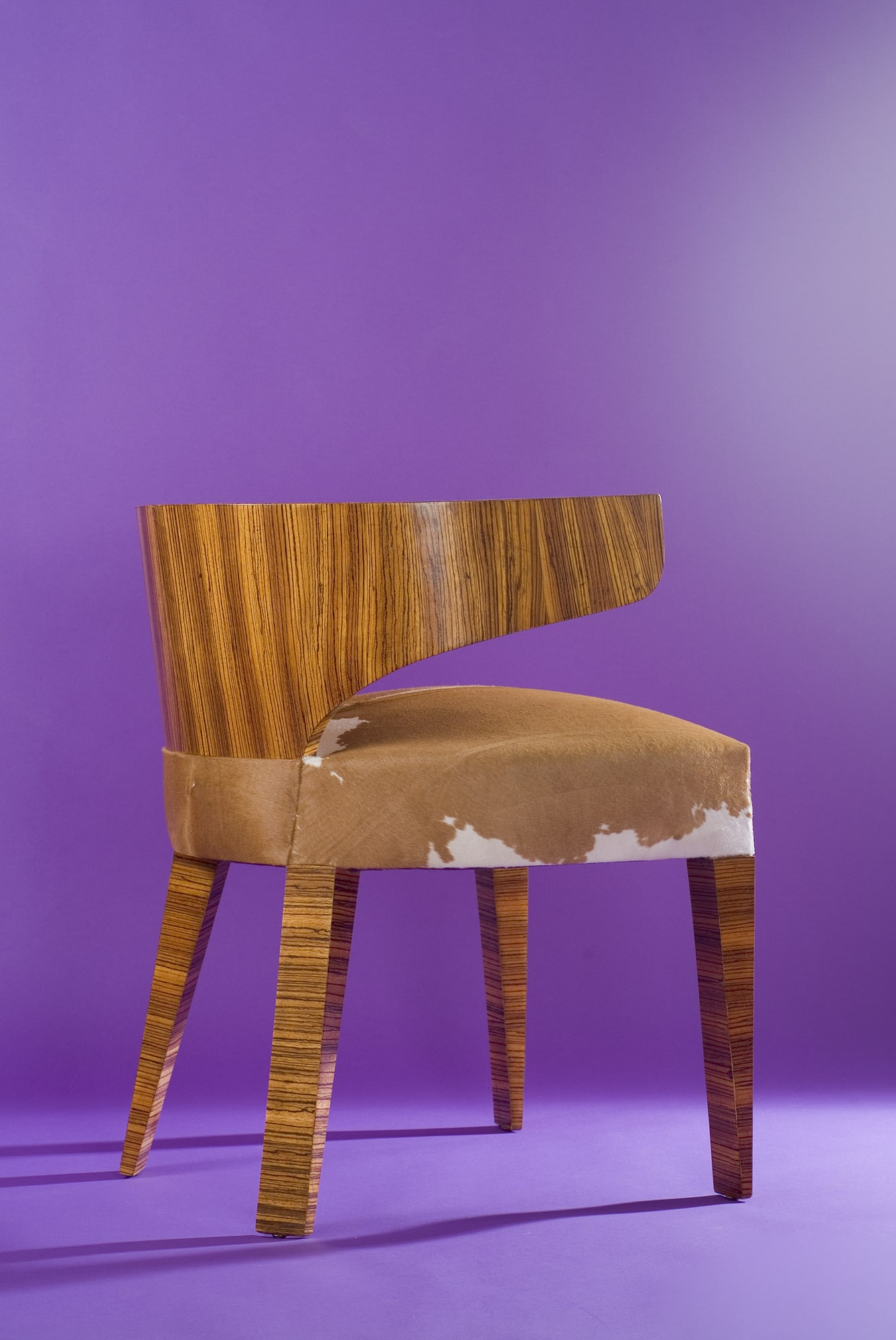 'Zebrano' desk and its armchair, vue 07