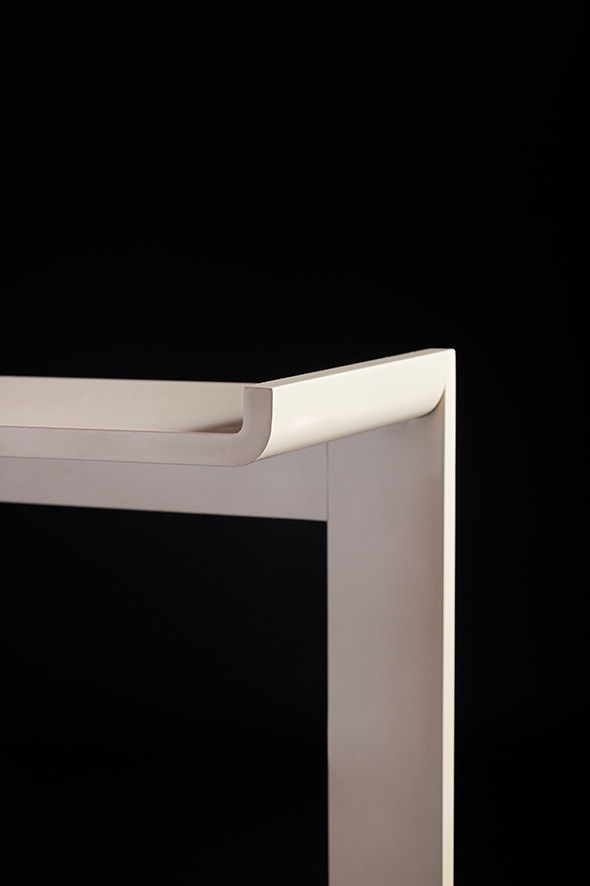 Ivory lacquered console, vue 02