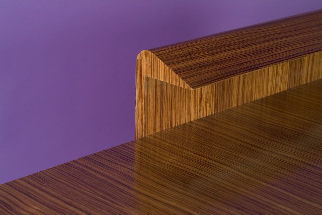'Zebrano' desk and its armchair, vue 05