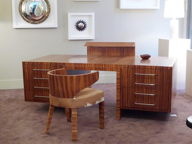 'Zebrano' desk and its armchair, vue 01
