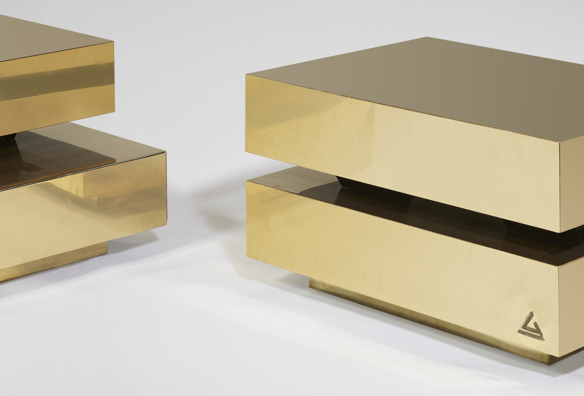 """Pair of """"Scultura"""" coffee table, vue 02"""