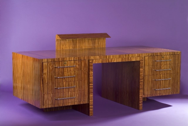 'Zebrano' desk and its armchair, vue 02