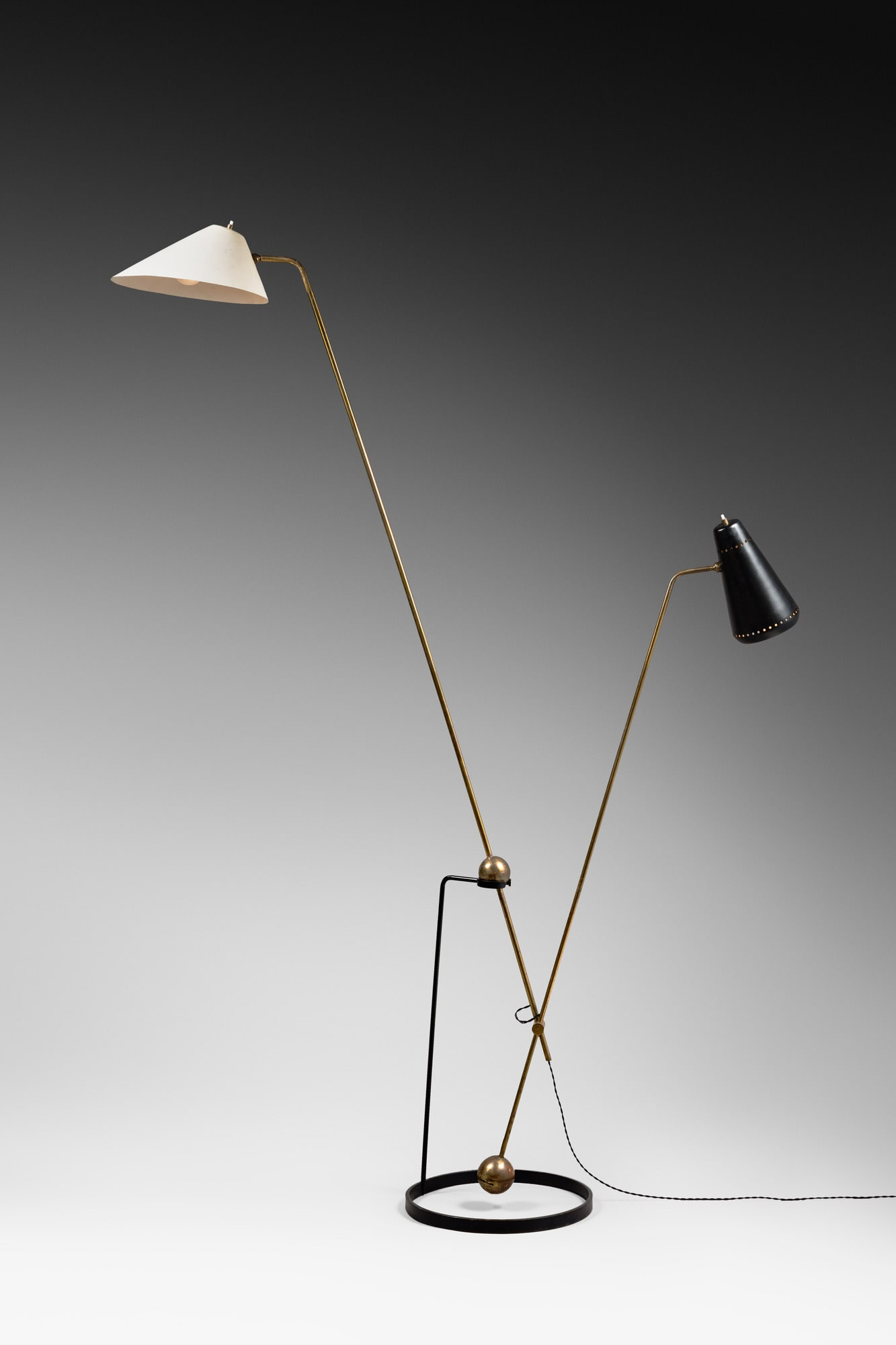Double pendulum floor lamp, vue 01