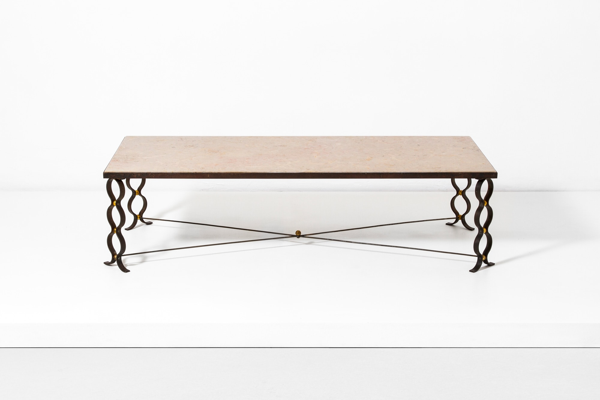 Jean Royere, Table basse « ruban », vue 01