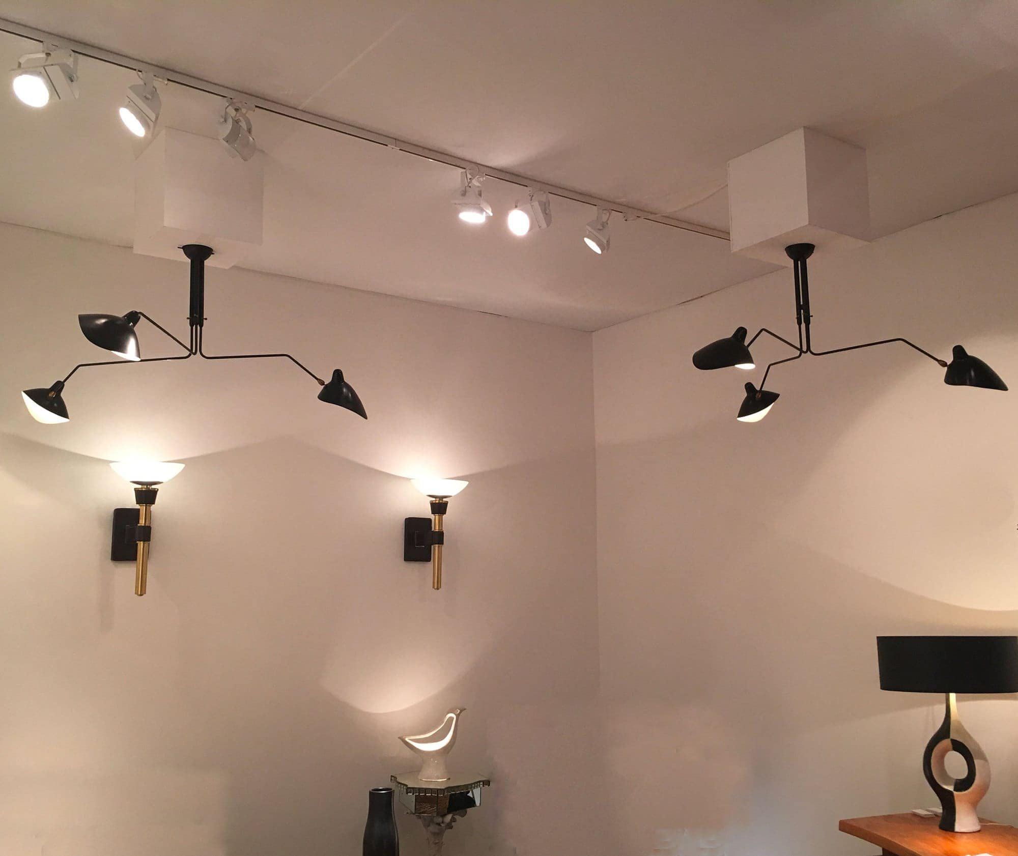 Serge Mouille, ceiling lamp with three pivoting arms, vue 01
