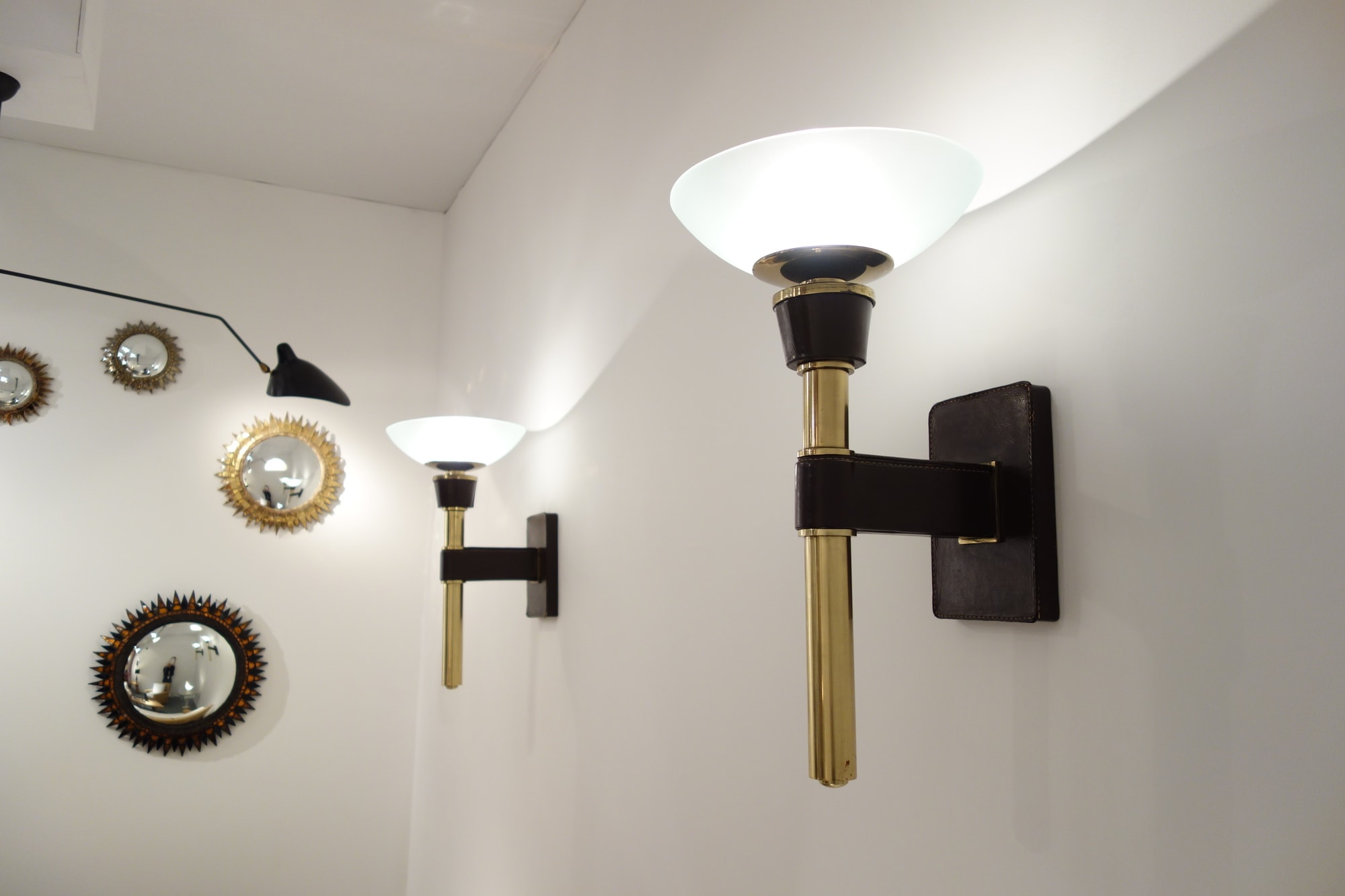Jacques Adnet, Pair of wall-lamps, vue 01