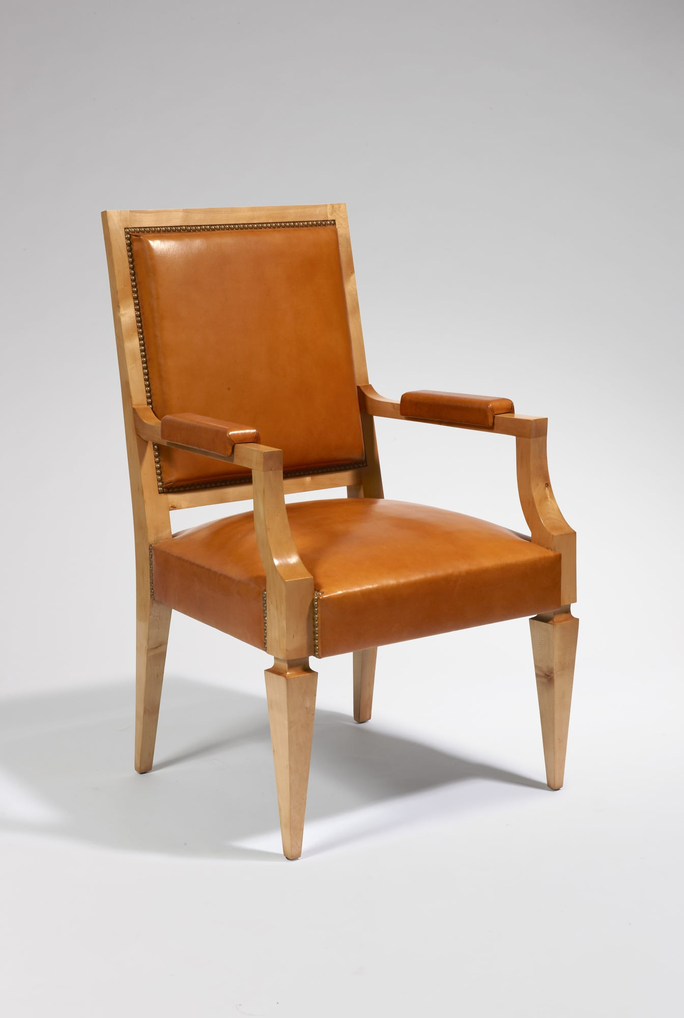 Bureau et son fauteuil, vue 04