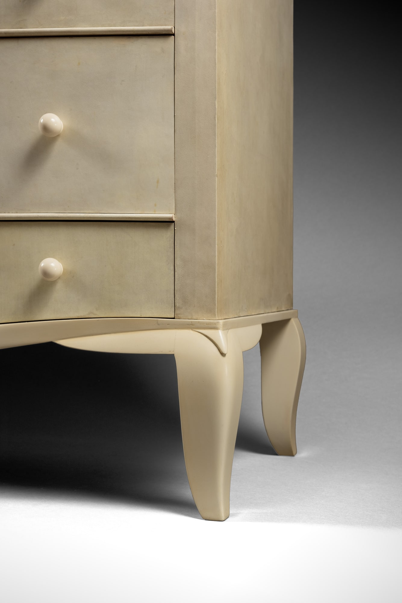 Rare 'pantalonniere' chest of drawers, vue 04