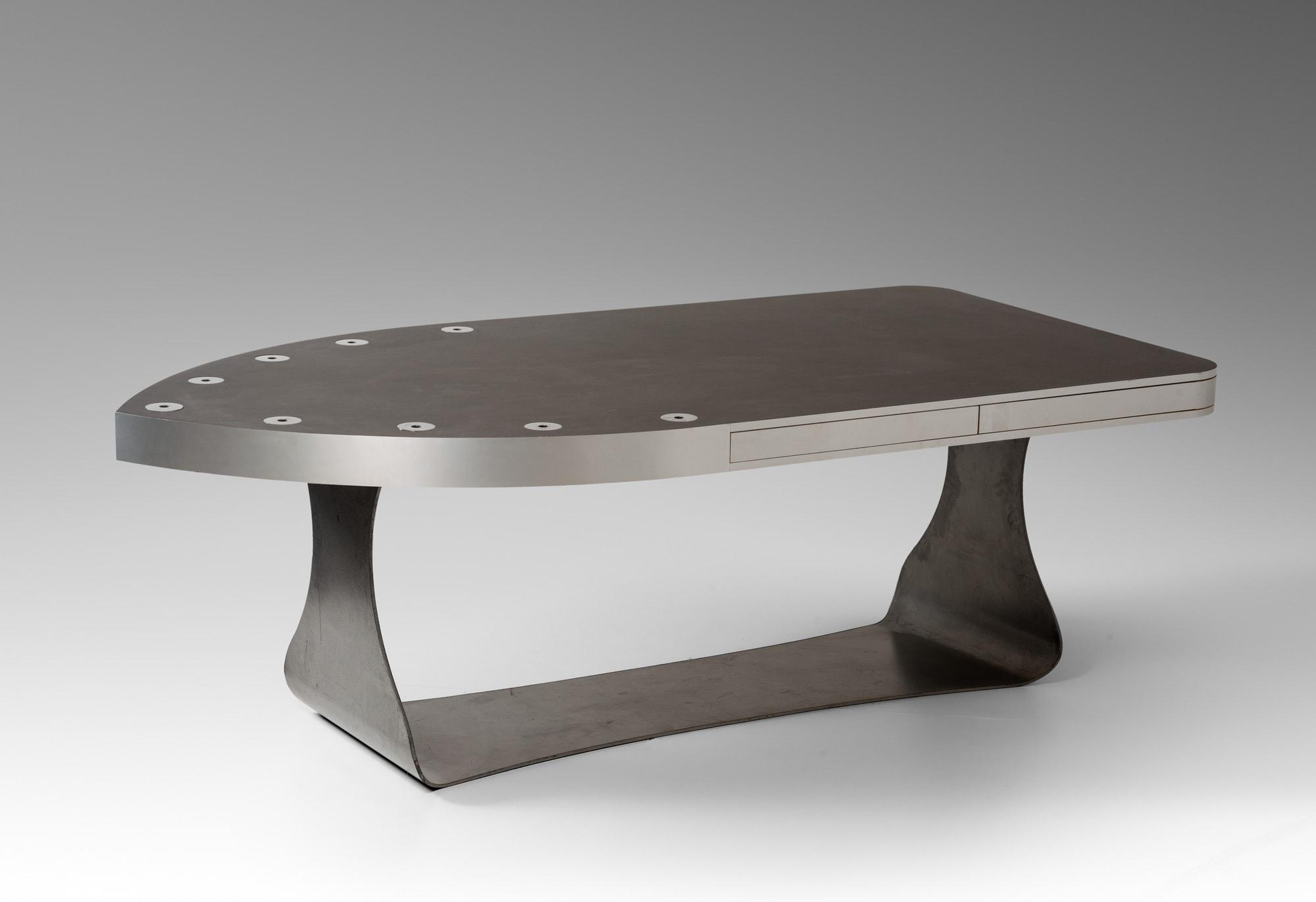 Table «Fer à Repasser», vue 01