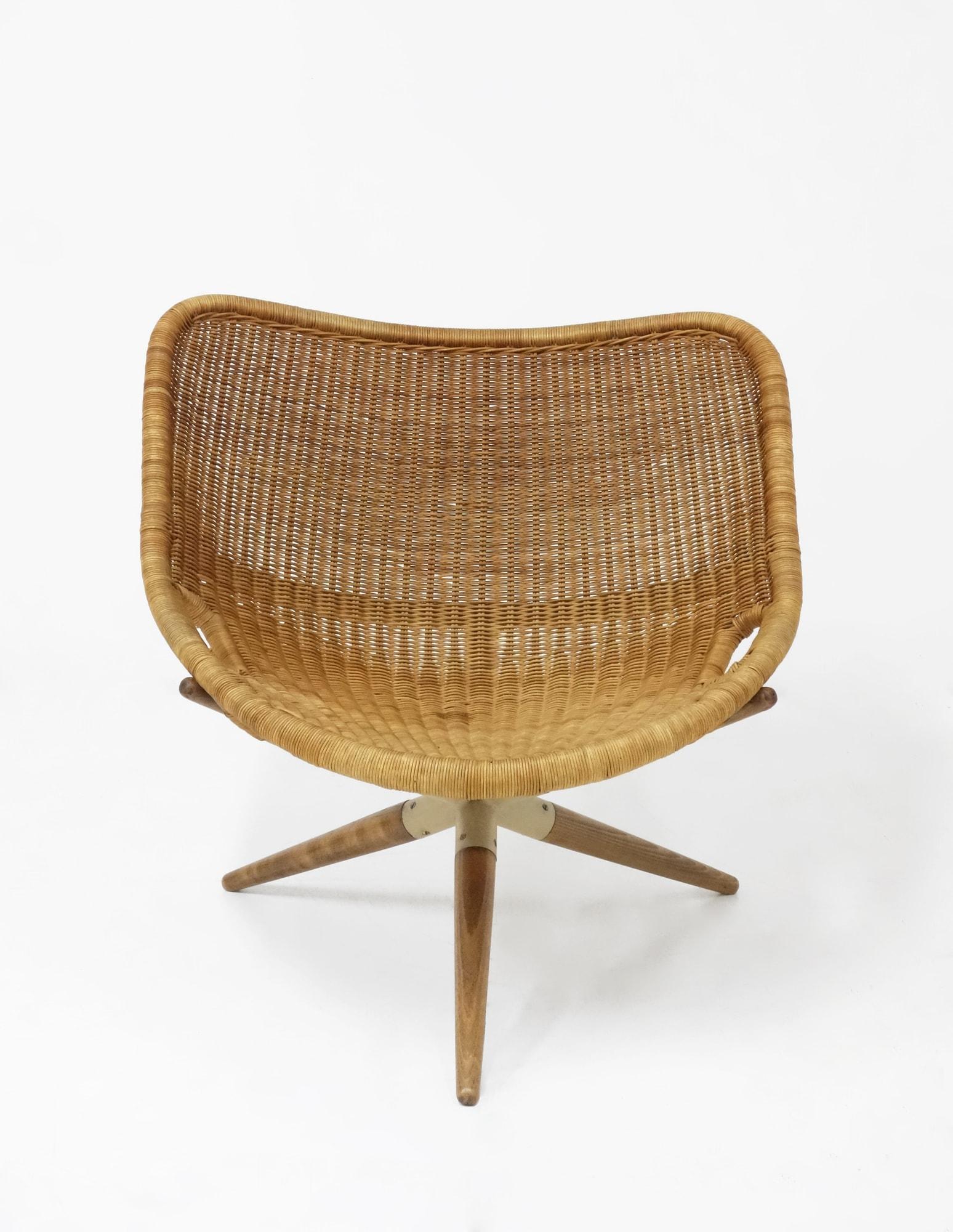 """Joseph-André Motte, Paire de fauteuils """"Chistera"""", vue 02"""