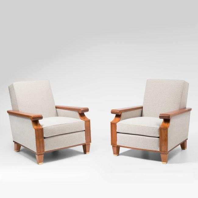 Importante et rare paire de fauteuils pour le Palais des Consuls de Rouen