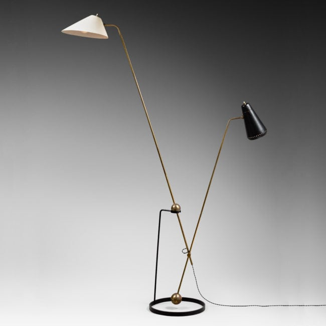 Double pendulum floor lamp