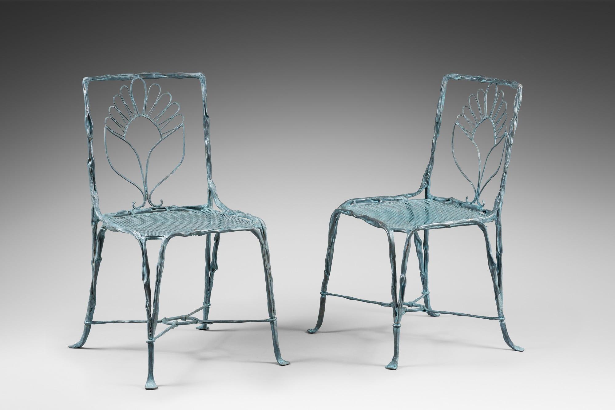 Suite de quatre chaises organiques, vue 01