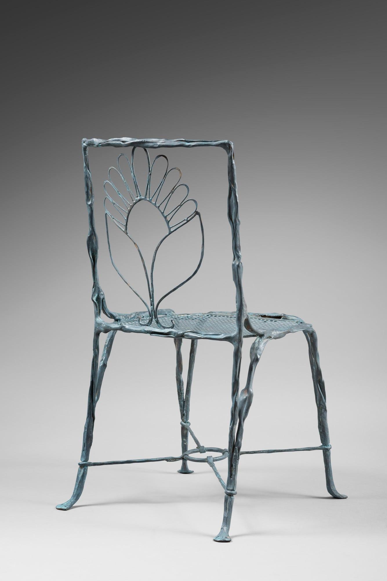 Suite de quatre chaises organiques, vue 02