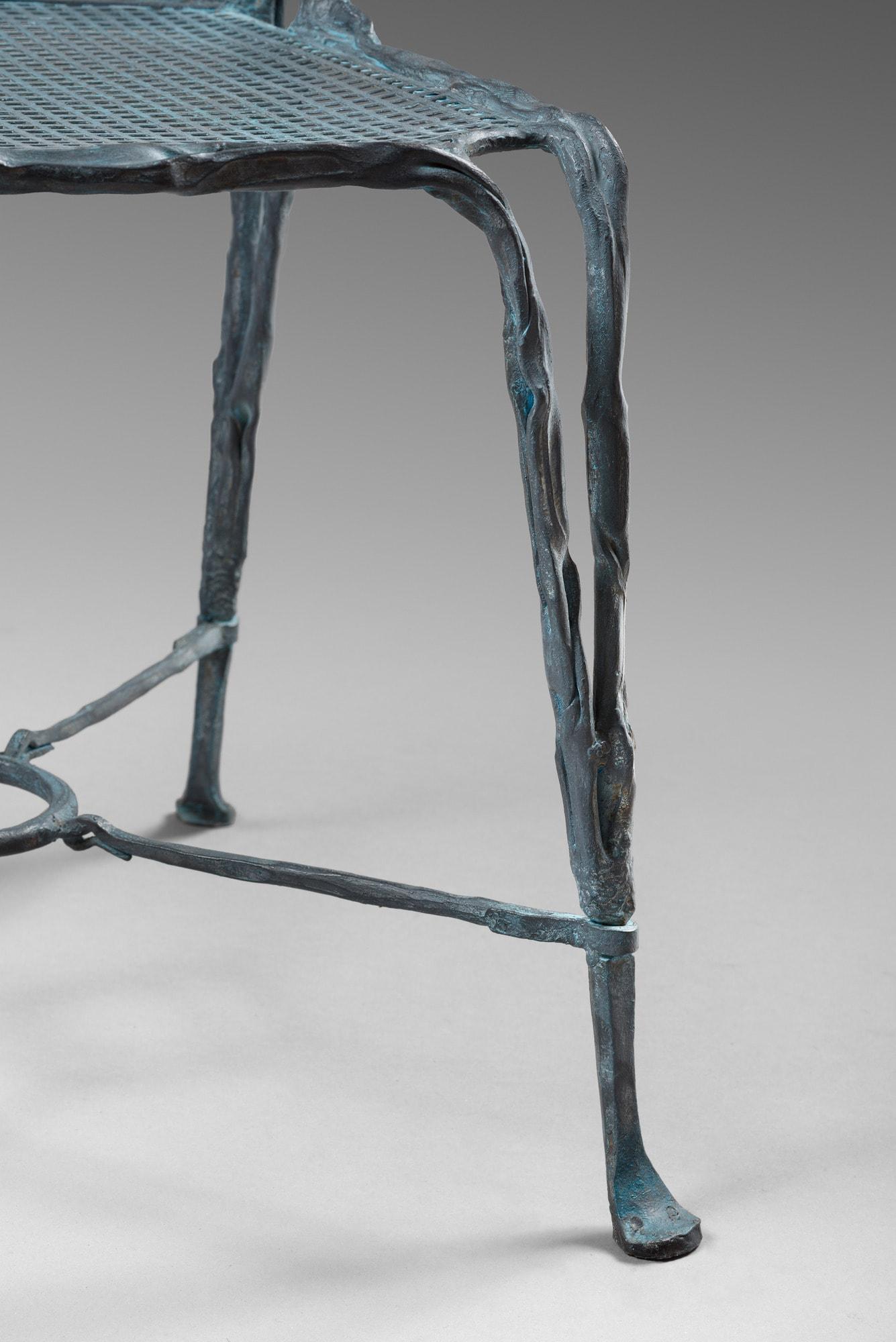 Suite de quatre chaises organiques, vue 03