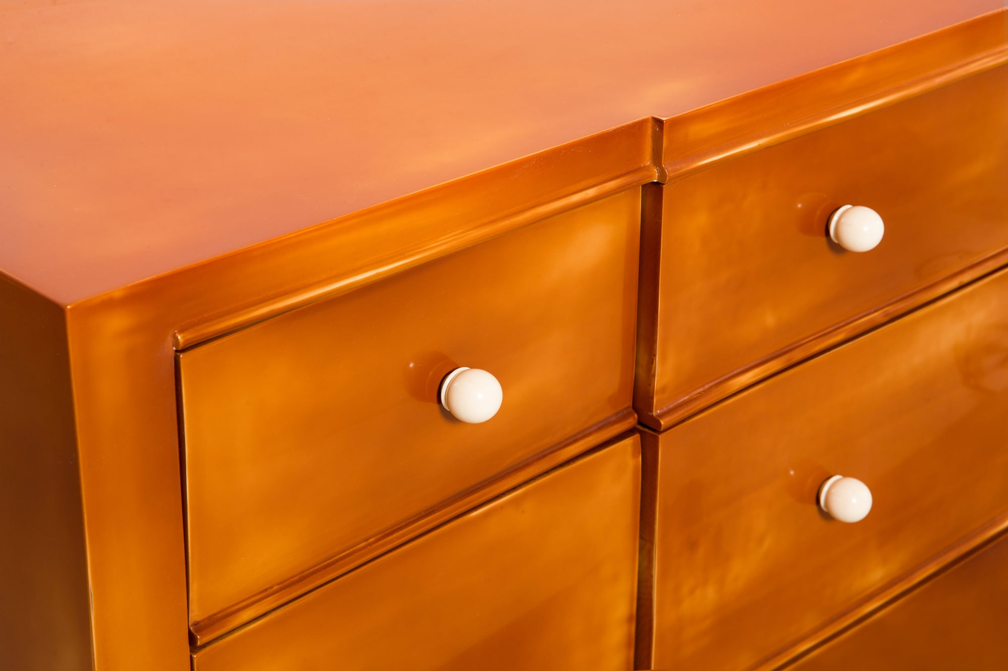 André Arbus, Lacquered chest of drawers, vue 03