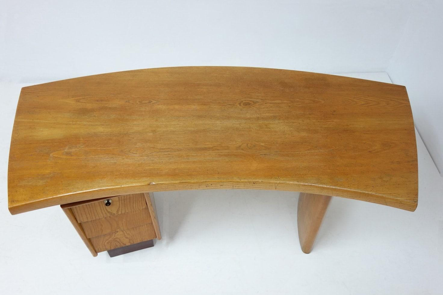 Charlotte Perriand & Pierre Jeanneret, Bureau modèle N°9, vue 04
