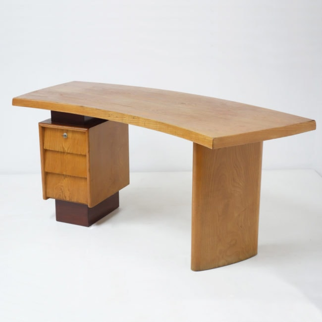 Charlotte Perriand & Pierre Jeanneret, Desk N°9