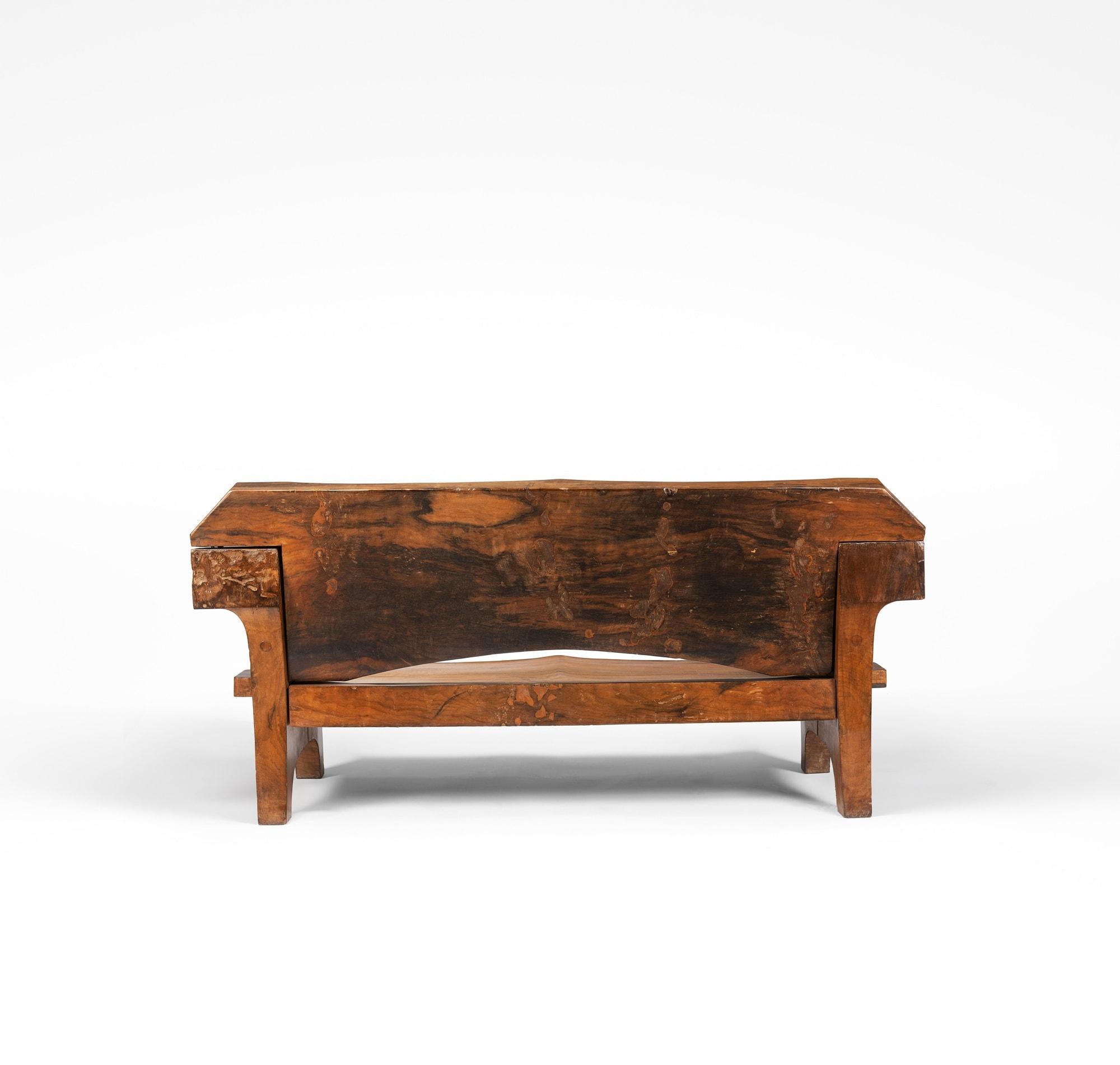 Jose Zanine Caldas, Important canapé en bois massif, vue 03