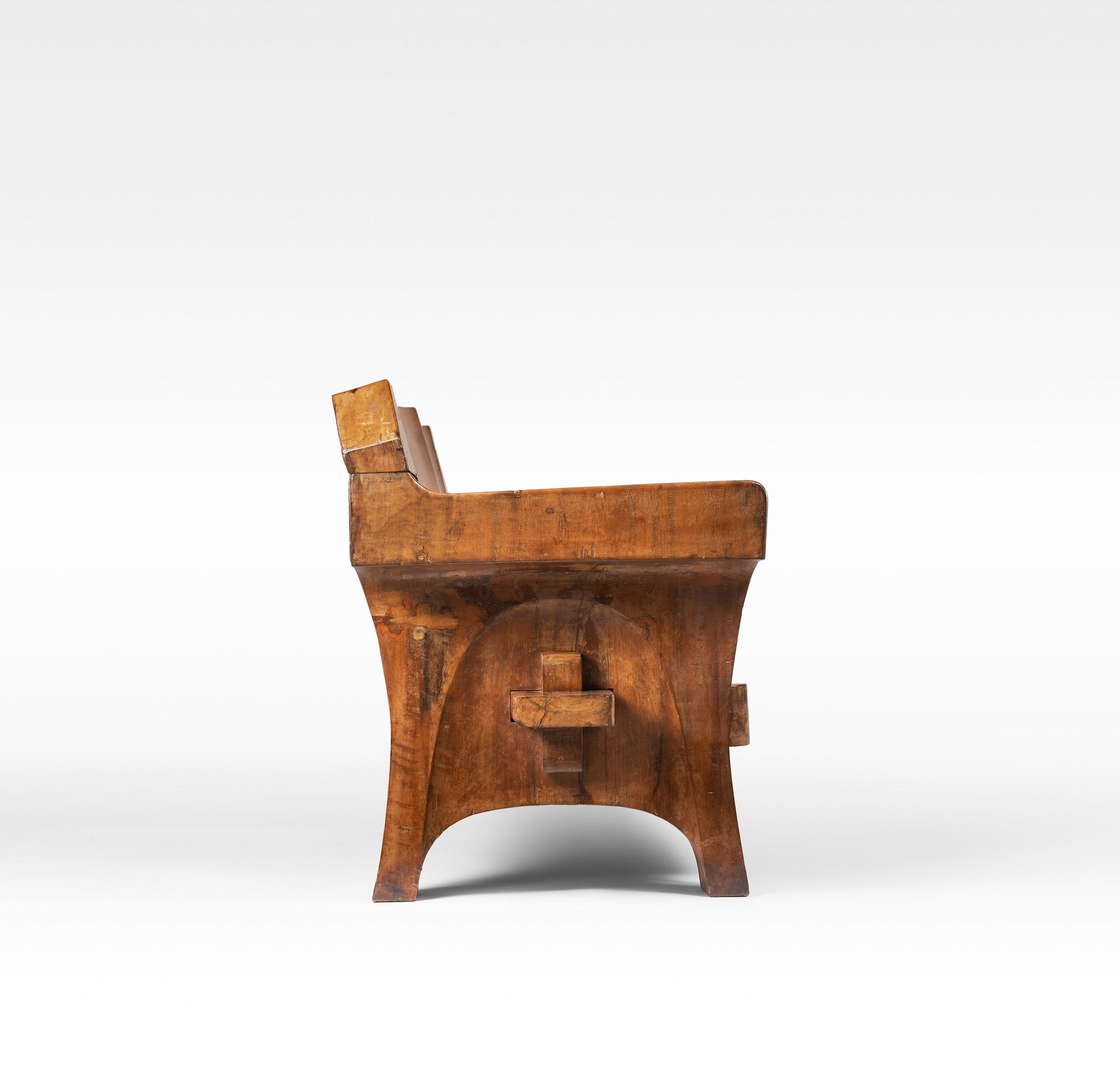 Jose Zanine Caldas, Important canapé en bois massif, vue 02