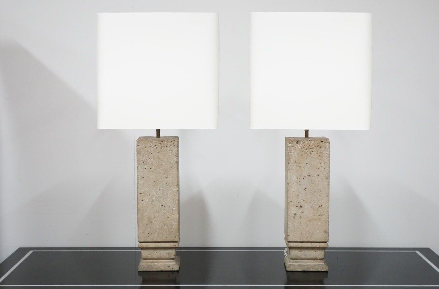 Jean-Charles Moreux, Pair of lamps, vue 01