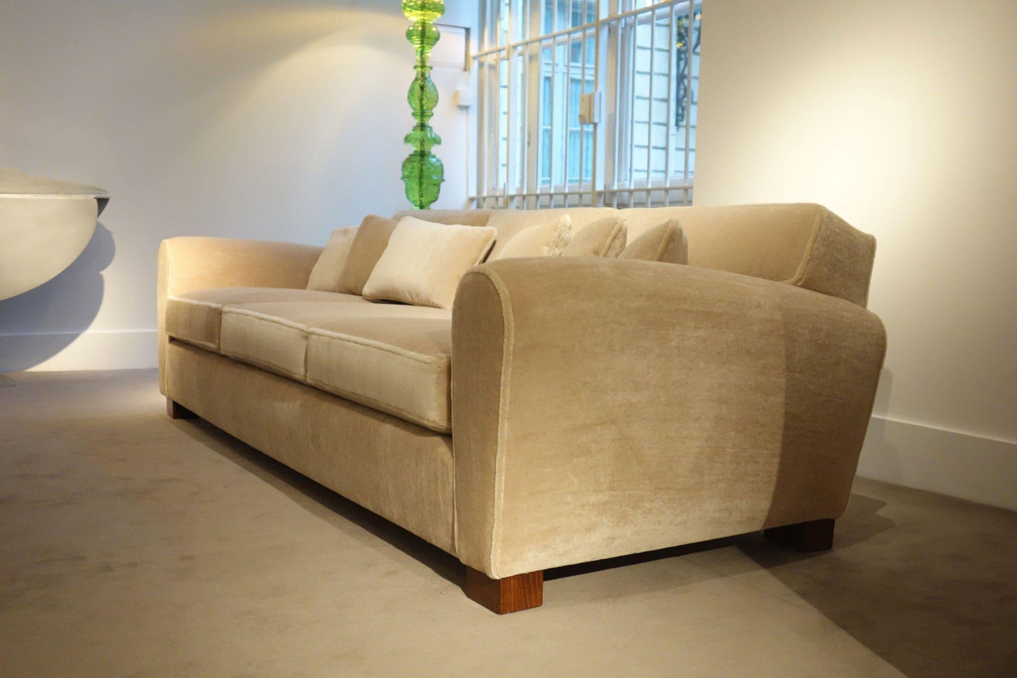 Jean Royère, Rare sofa (sold), vue 03