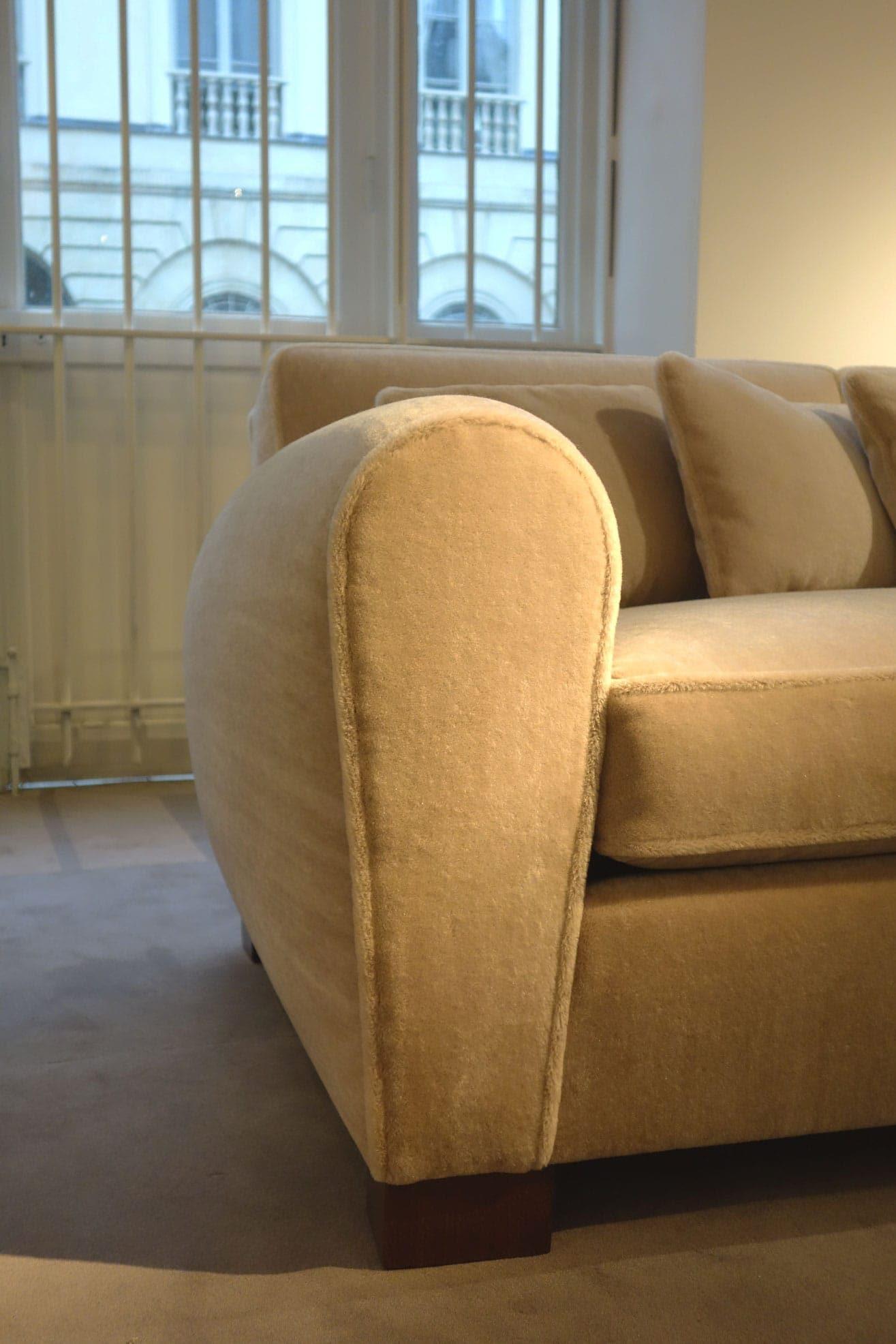 Jean Royère, Rare sofa (sold), vue 05
