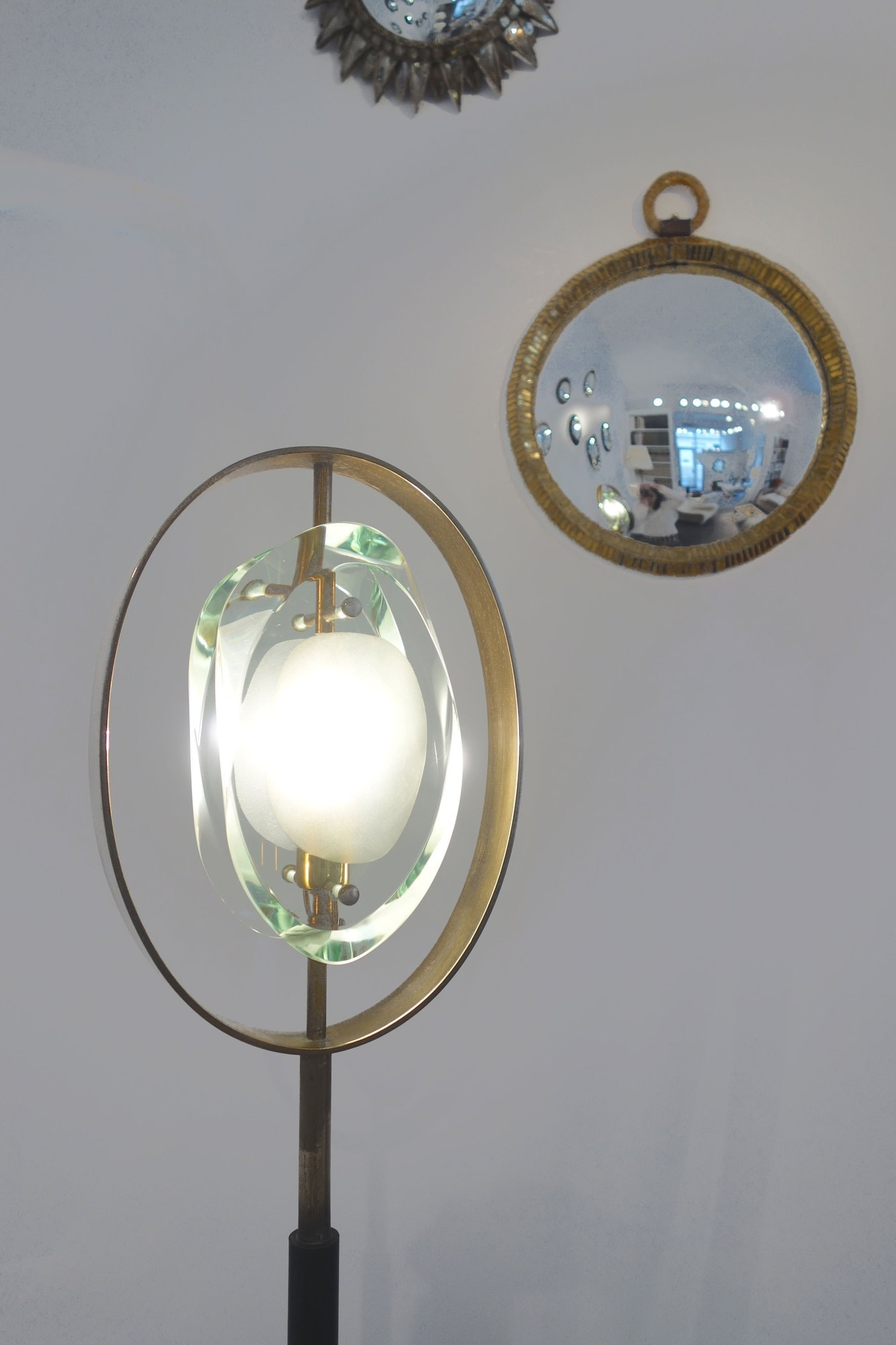Max Ingrand, Lampadaire «Micro», modèle 2020, édition Fontana Arte (vendu), vue 02