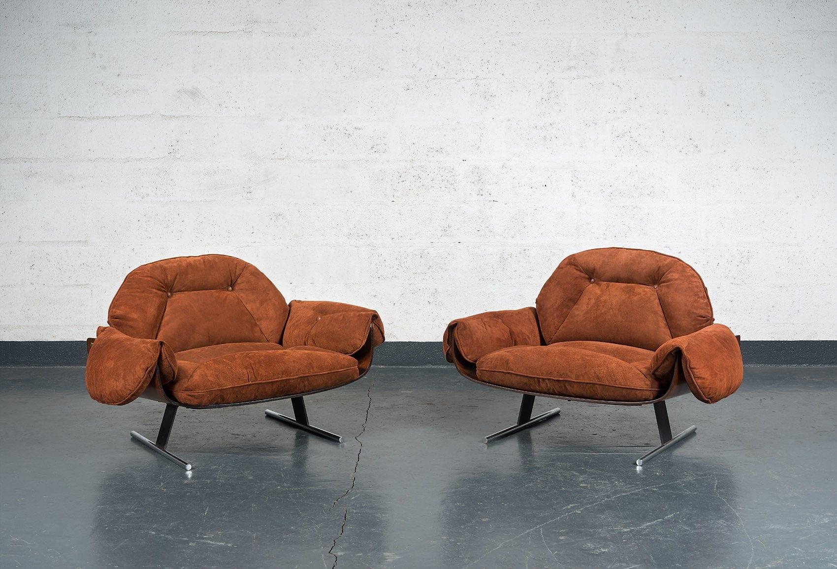 "Jorge Zalszupin, Pair of ""Presidencial"" armchairs, vue 01"