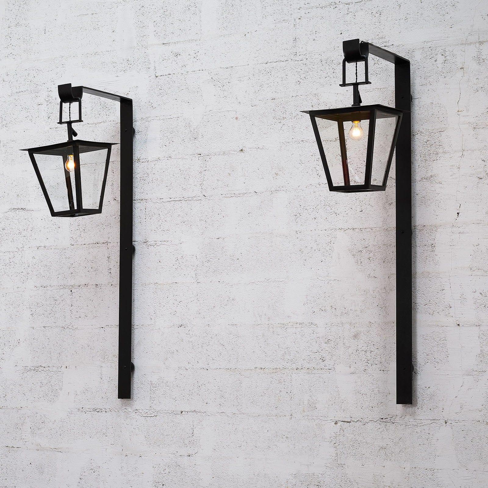 Jean Royère, Paire de lanternes dites «Fond perdu», vue 01
