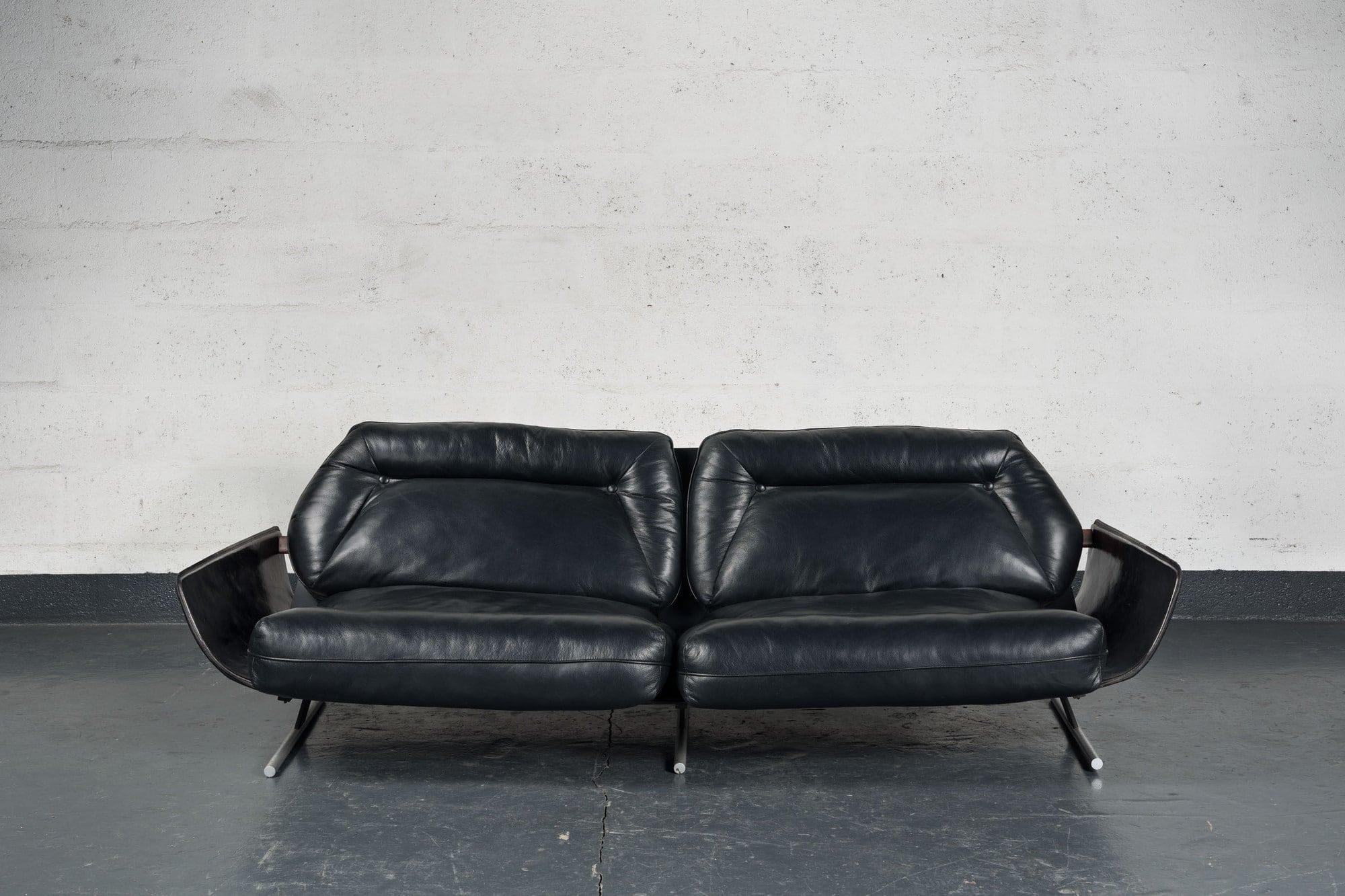 "Jorge Zalszupin, ""Presidencial"" sofa, vue 03"