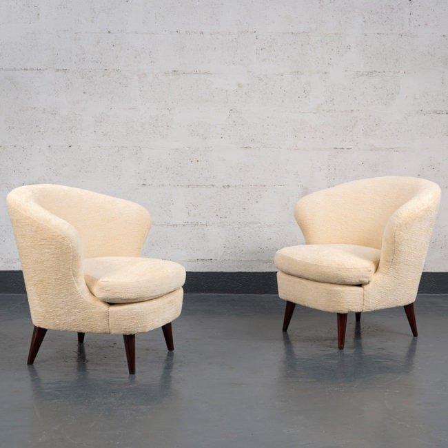 "Joaquim Tenreiro, Pair of ""Coquillage"" (Shell) armchairs"