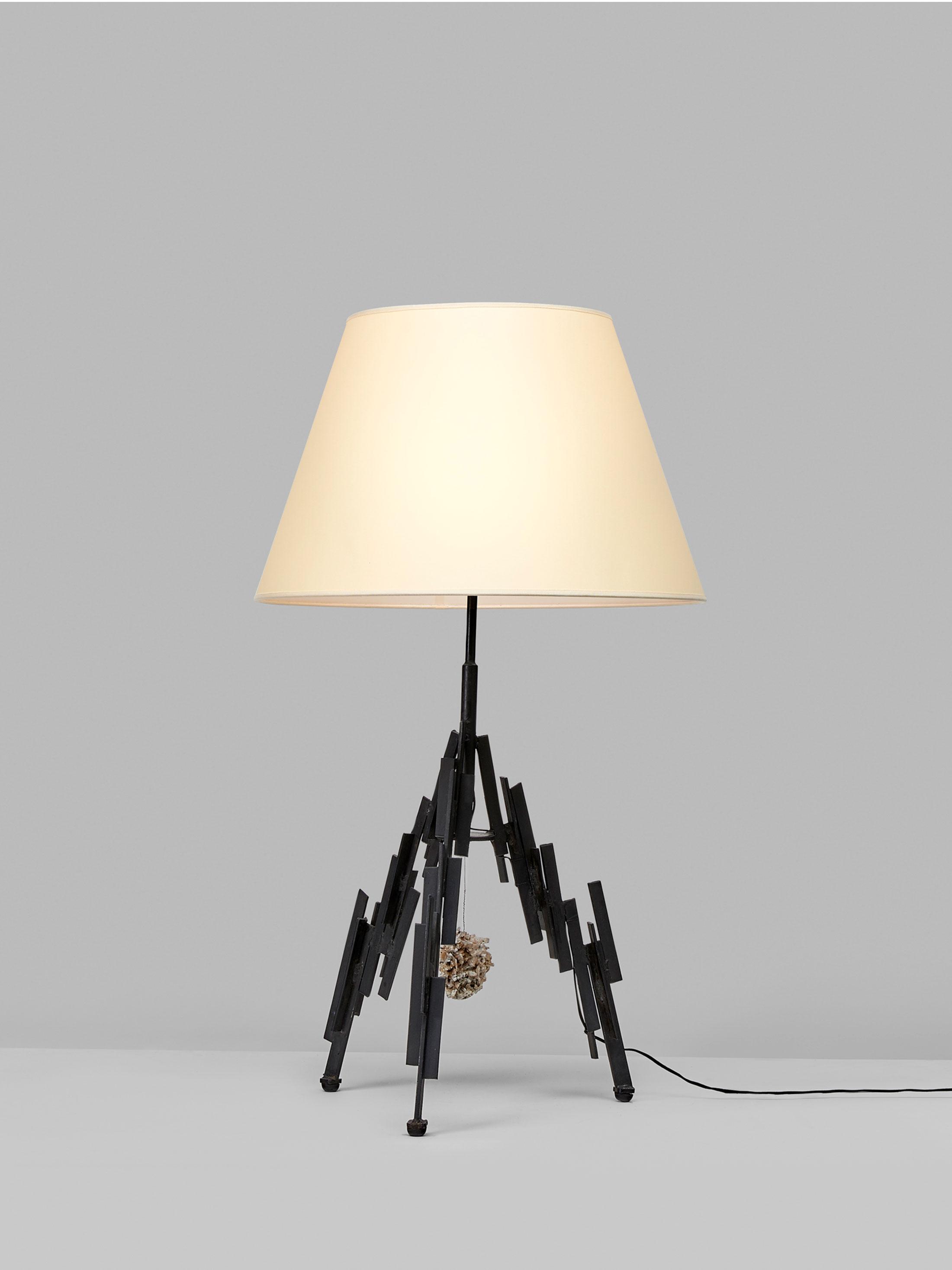 Marc Du Plantier, Importante lampe, vue 01