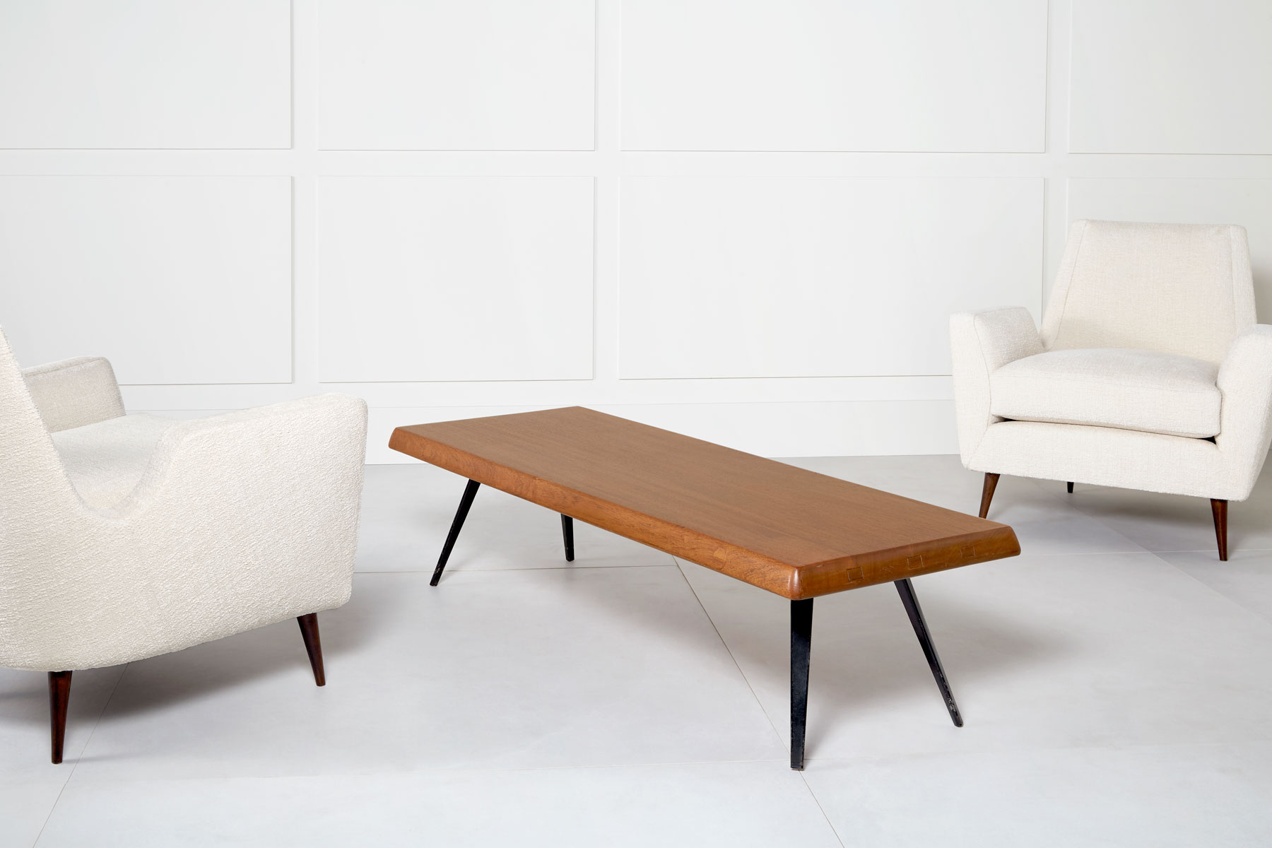 Charlotte Perriand, Table basse, vue 02